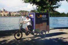 press-parcel-delivery-by-bike-900x600px-39856